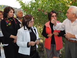Başkan Eşleri Akşit Kültür ve Düşün Evini Ziyaret Etti