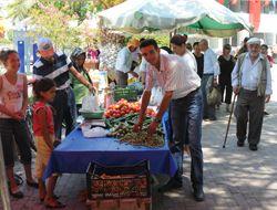 Seferihisarlının Yeni Gözdesi Köy Pazarı