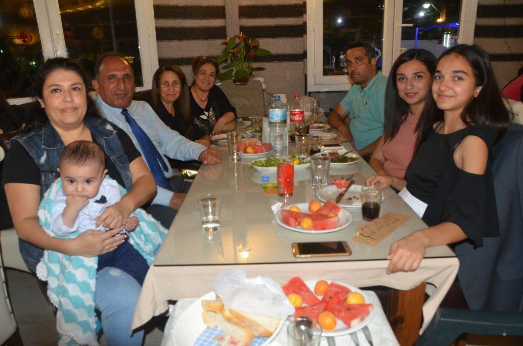 Mehmet İzdal mezunları veda gecesi düzenledi