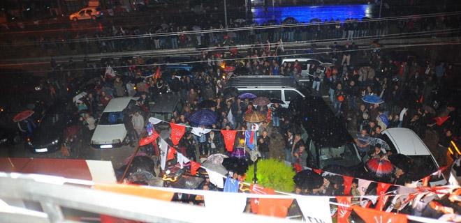 CHP Doğanbey ve Ürkmez seçim bürolarını açtı