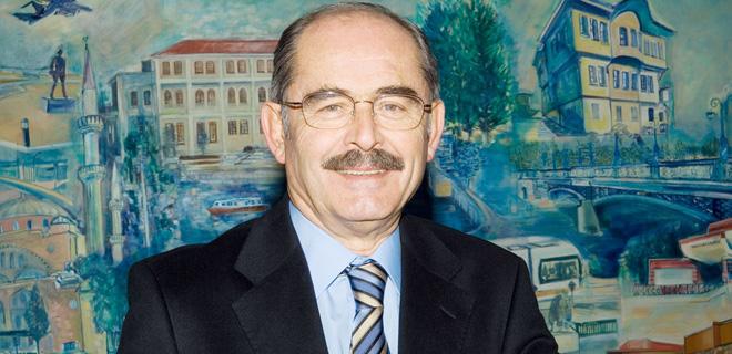 Yılmaz Büyükerşen'den Tunç Soyer'e büyük onur