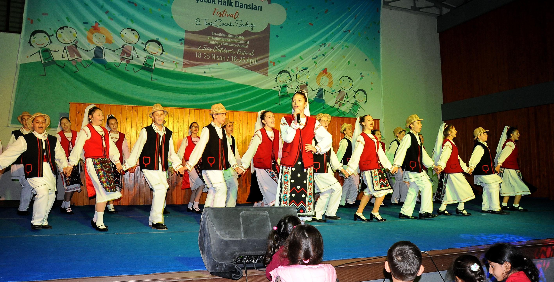 Halk Dansları Festivali'nden Kareler