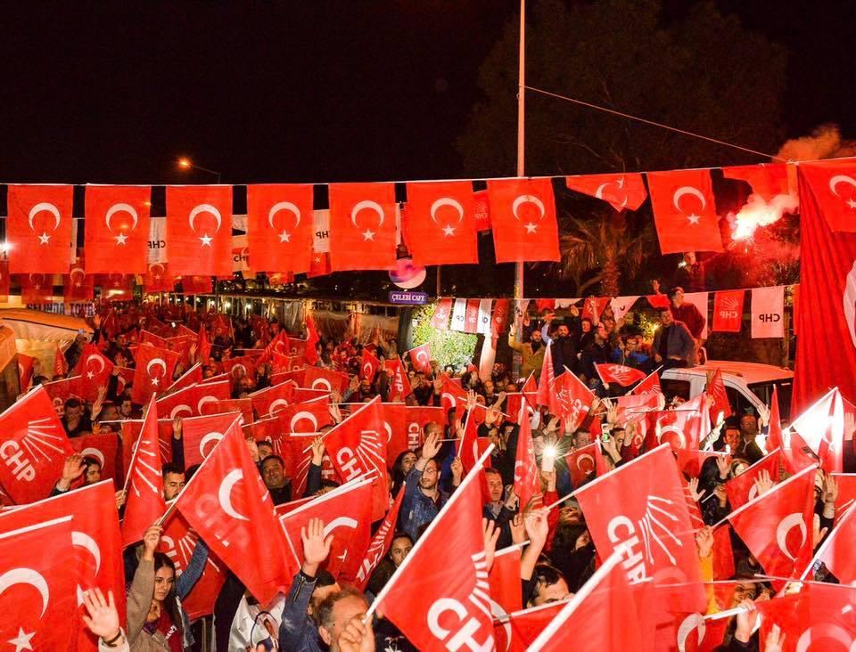 Millet İttifakı üçüncü mitingini Sığacık'ta gerçekleştirdi