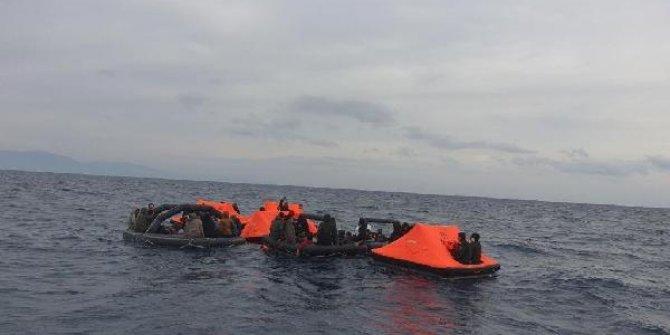 Seferihisar'da 164 kaçak göçmen kurtarıldı